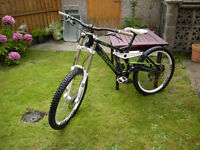 KONA STAB DELUXE 2010 DOWNHILL MOUNTAIN BIKE FOR SALE IN HELENSBURGH
