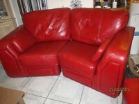 GORGEOUS MODERN WINE COLOUR REAL LEATHER CURVED SOFA AND FOOT STOOL MUST SEE