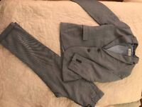 Lovely boys H&M suit jacket and trousers age 7-8