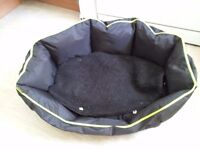 CAT AND SMALL DOG BEDS X 3. £10 THE LOT. OR WILL SEPARATE