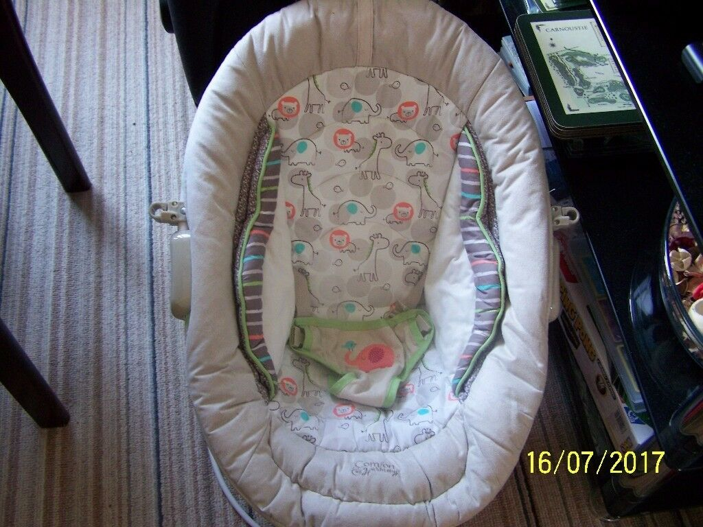REDUCED****** cream coloured bouncer chair *******