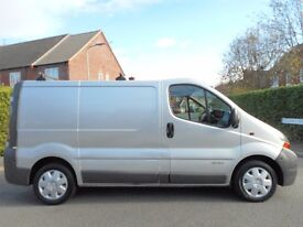 NO VAT!! 2004 Renault Trafic Swb finished in Silver. Full Electrics pack and FULL MOT!