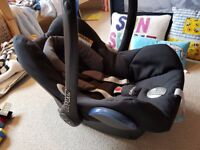 Maxi-Cosi CabrioFix Car Seat (Group 0+) - Excellent Condition with Rain Cover