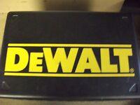 DEWALT METAL TOOL BOX