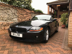 BMW Z4 2.0 Black with Red Leather