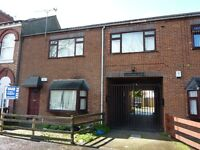 Spacious One Bedroom Ground Floor Flat - Sandringham St, Anlaby Road - £320 per month