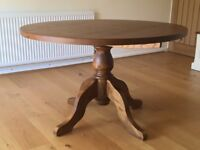 Beautiful circular Solid Oak dining table (4 ft./1.22m diameter/ 77cm high) - £110 ONO