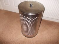 Metal laundry bin good condition