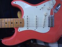 FENDER VINTAGE MODIFIED STRATOCASTER FIESTA RED HANK MARVIN TYPE