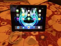 iPad 4 32gb Silver, wifi c/w with case and charger...