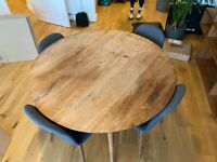 Selling Habitat Vince Dining Round Walnut Table incl. 4 Chairs