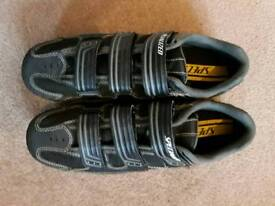 Specialized MTB/ road shoes with cleats Size 43 (9)