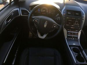 2016 Lincoln MKZ Hybrid, Ultra low km! Bluetooth, Navigation, Mo Windsor Region Ontario image 8