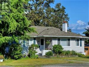 3810 Jennifer Rd Victoria, British Columbia