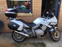 Honda cbf 1000 cc great looking bike long mot 2 keys full service history
