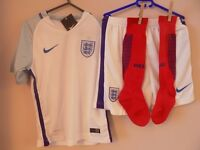 New Kids 2016-17 England Home Kits Complete Shirt / Shorts/& Socks Ages 9-11yrs Sealed With All Tags