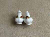 ROYAL ALBERT OLD COUNTRY ROSES CHINA SALT AND PEPPER POTS