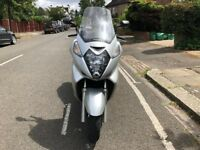 Stunning Honda fjs silverwing 600cc silver 2001 excellent condition hpi clear