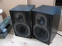 Behringer truth b2031a powered studio monitors matched pair mint
