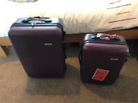 Set of 2 Hard Suitcases