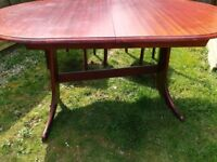 Sonning tabel with 4 chairs