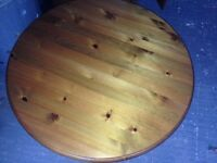 Ducall pine round coffee table