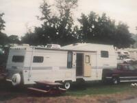 28.5 foot fifth wheel trailer