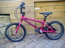 Child's CNOC14 ISLA Bike. Perfect Christmas Present. First Bike.