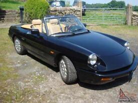 Classic Vintage 1991 Alfa Romeo Spider S4 in excellent condition