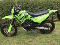 Sinnis apache 125cc motorcycle.