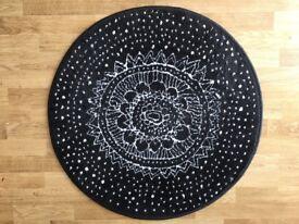 Small circular Ikea rug
