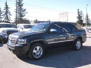 2010 Chevrolet Avalanche 1500 LTZ-4X4-LEATHER-NAV-SUNROOF-DVDS