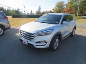 2017 Hyundai Tucson AWD, HEATED FRONT AND REAR SEATS!