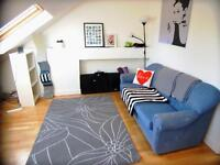 3 bedroom flat in Greyhound Rd, Fulham, W6