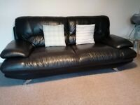 **REDUCED**3 & 2 Seater Real leather sofas (Black)