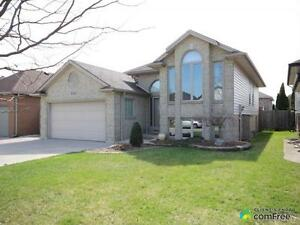 $355,000 - Raised Bungalow for sale in Windsor