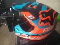 Kids fox v3 motocross helmet