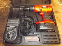 BLACK AND DECKER 18V CORDLESS DRILL IN EXCELLENT CONDITION