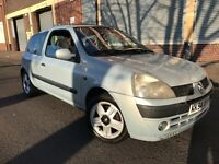 Renault Clio 2005 1.2 16v Dynamique 3 door CHEAP TO INSURE, SUNROOF, BARGAIN