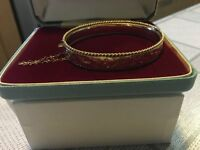 50 year old solid 9ct gold hinged bracelet bangle with saftey chain