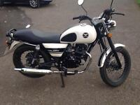 Lexmoto Valiant 2015 125cc Low Mileage Starter Pack Included