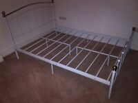 double bed metal frame in excellent condition can deliver