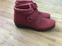 """Ladies size 5 red leather """"pavers"""" ankle boots"""