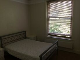 Bright double bedroom available to rent