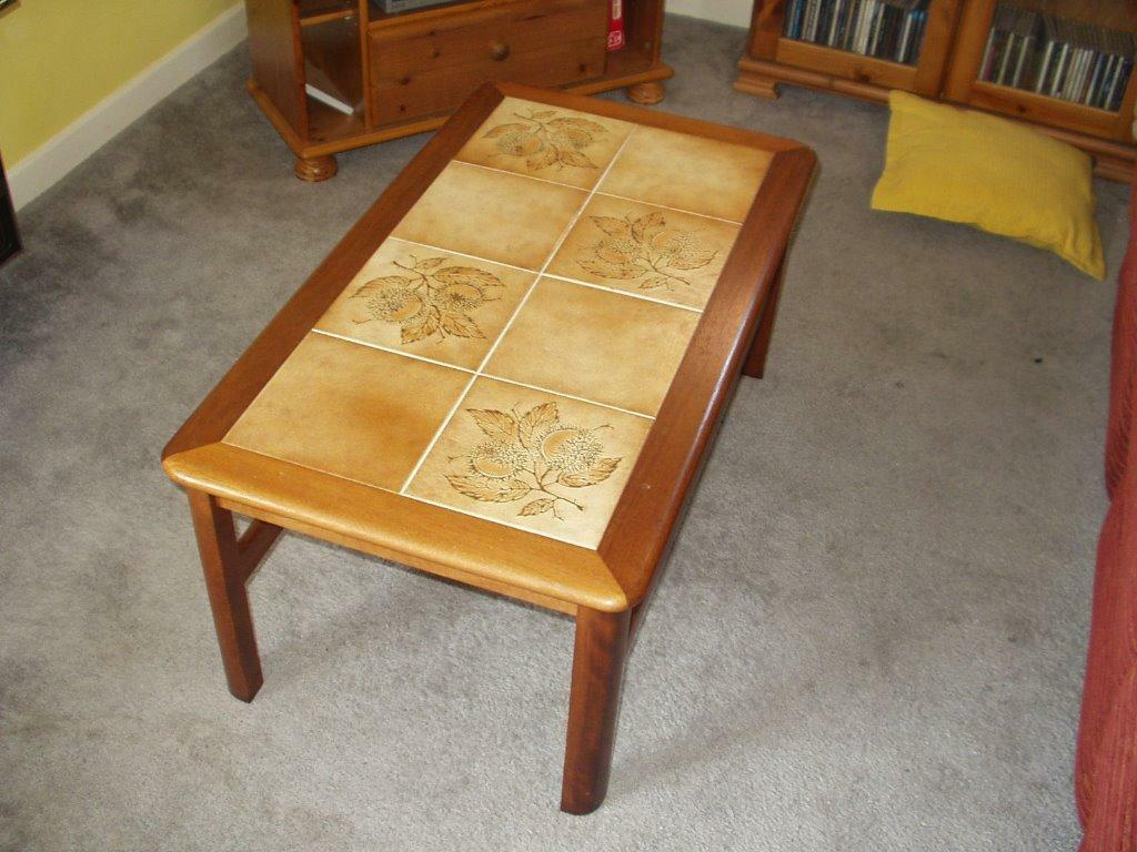 Tile top coffee table vgc in norwich norfolk gumtree for Coffee tables norwich