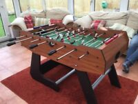 Football Table,very good condition,comes with extra men,footballs and dust over.£60.00
