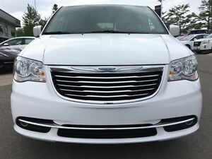2016 Chrysler Town & Country Touring L Pwr.Sliding Doors|Heated  Peterborough Peterborough Area image 8
