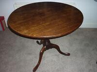 Antique George III mahogany tilt table