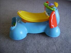 FISHER PRICE WALKER / SIT AND RIDE