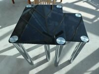 Set of 2 glass coffee tables